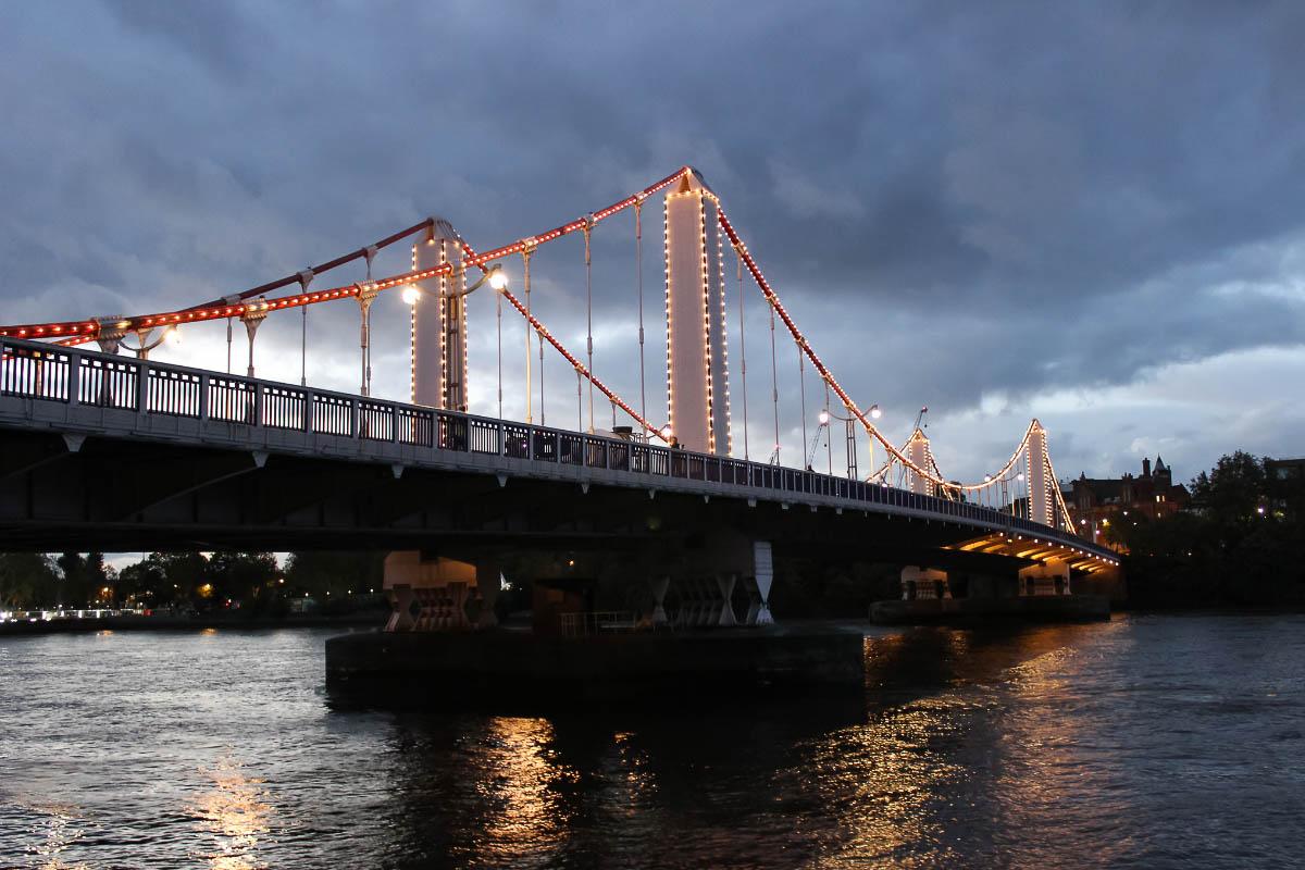 Chelsea Bridge at night
