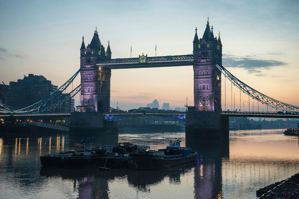 Tower Bridge at sunrise in autumn