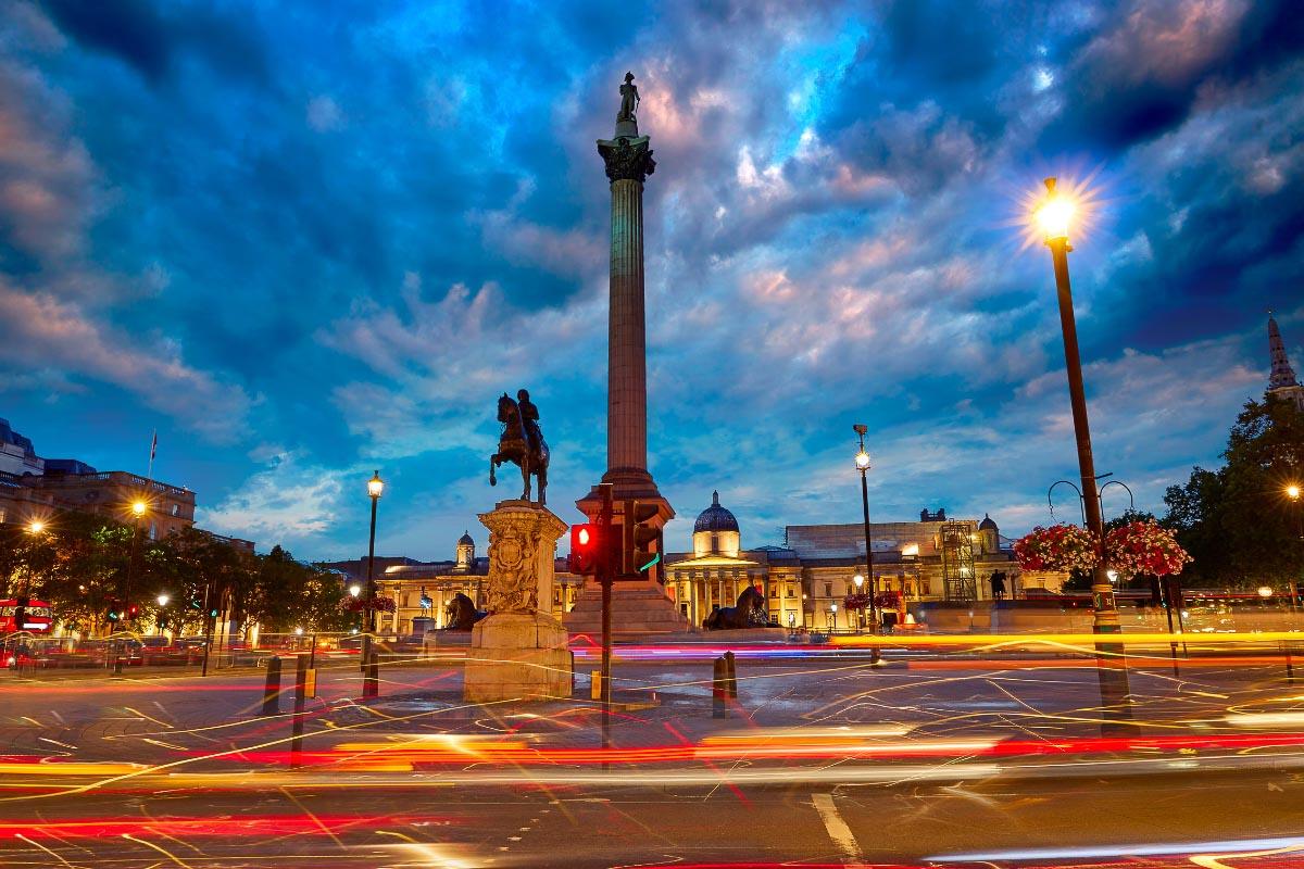 Trafalgar Square sunset in london