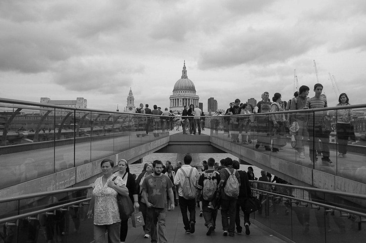 milennium bridge to st pauls