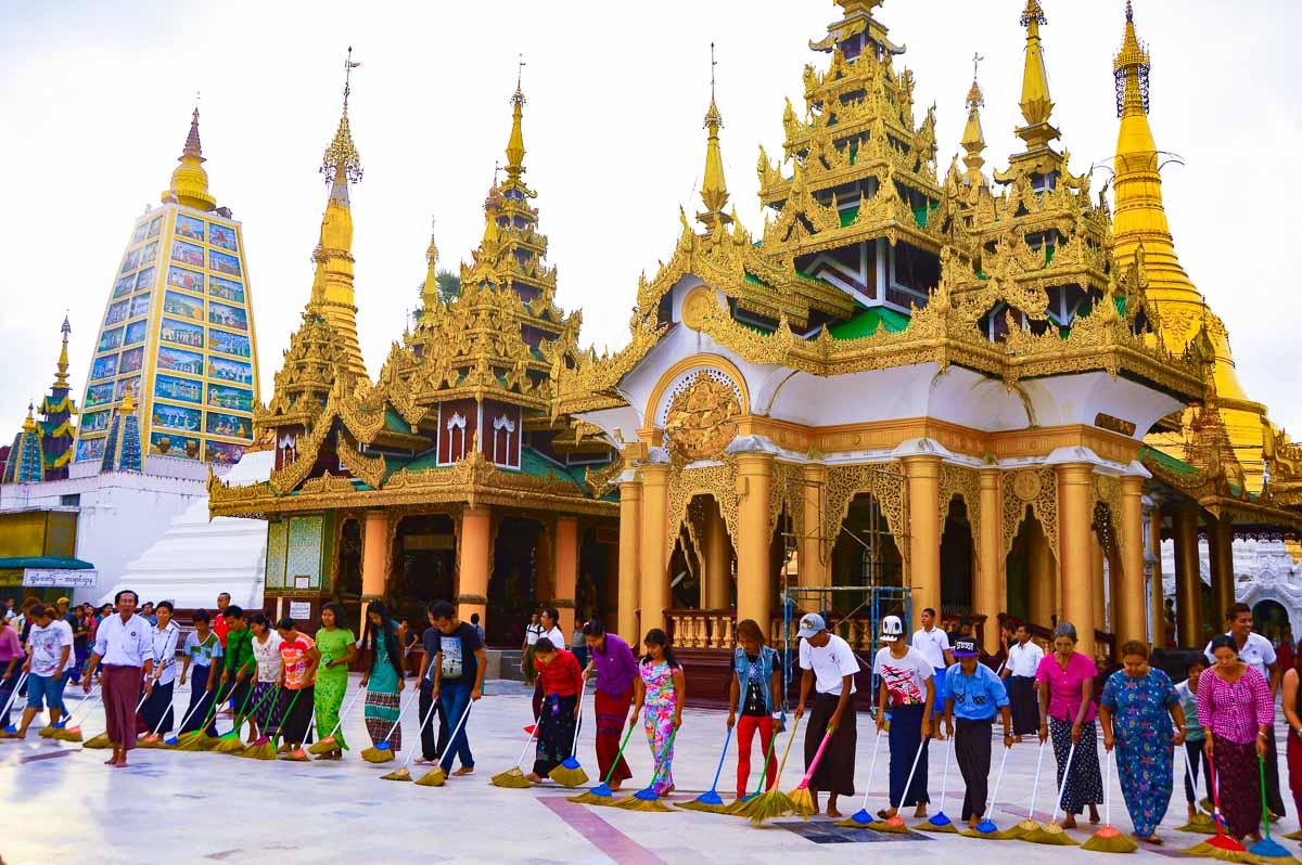 shwedagon pagoda mynamar cleaning up