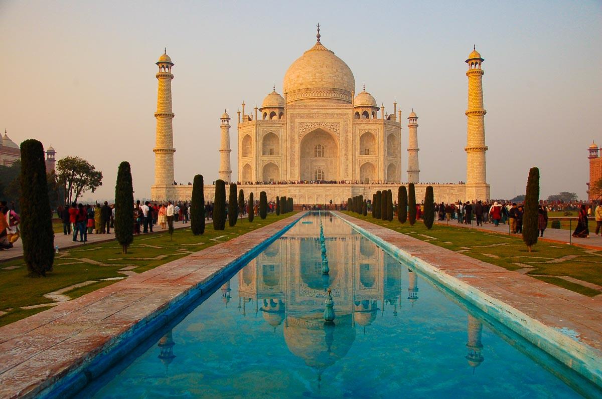 taj mahal india reflecting pool