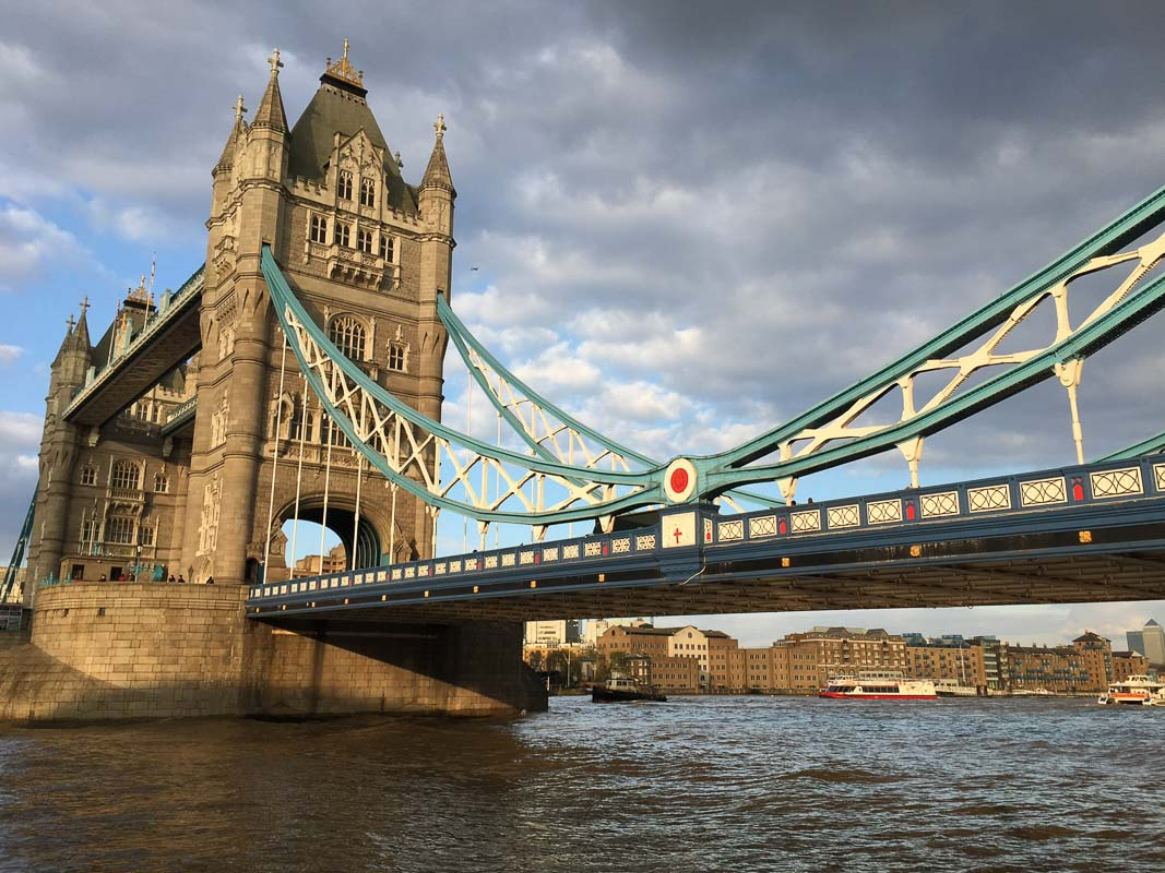 10 Iconic London Bridges - How Many do you Know?