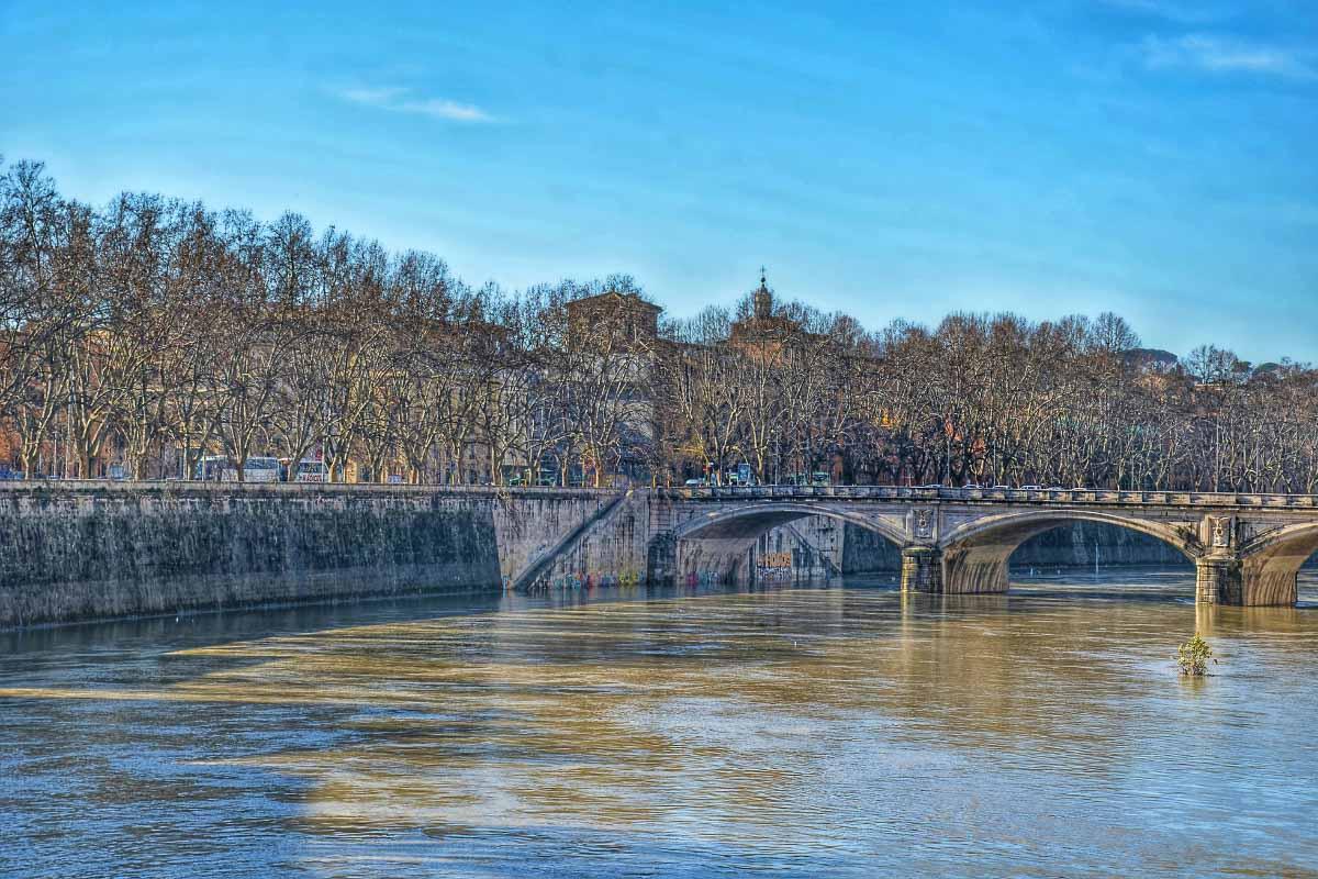 Cavour bridge rome
