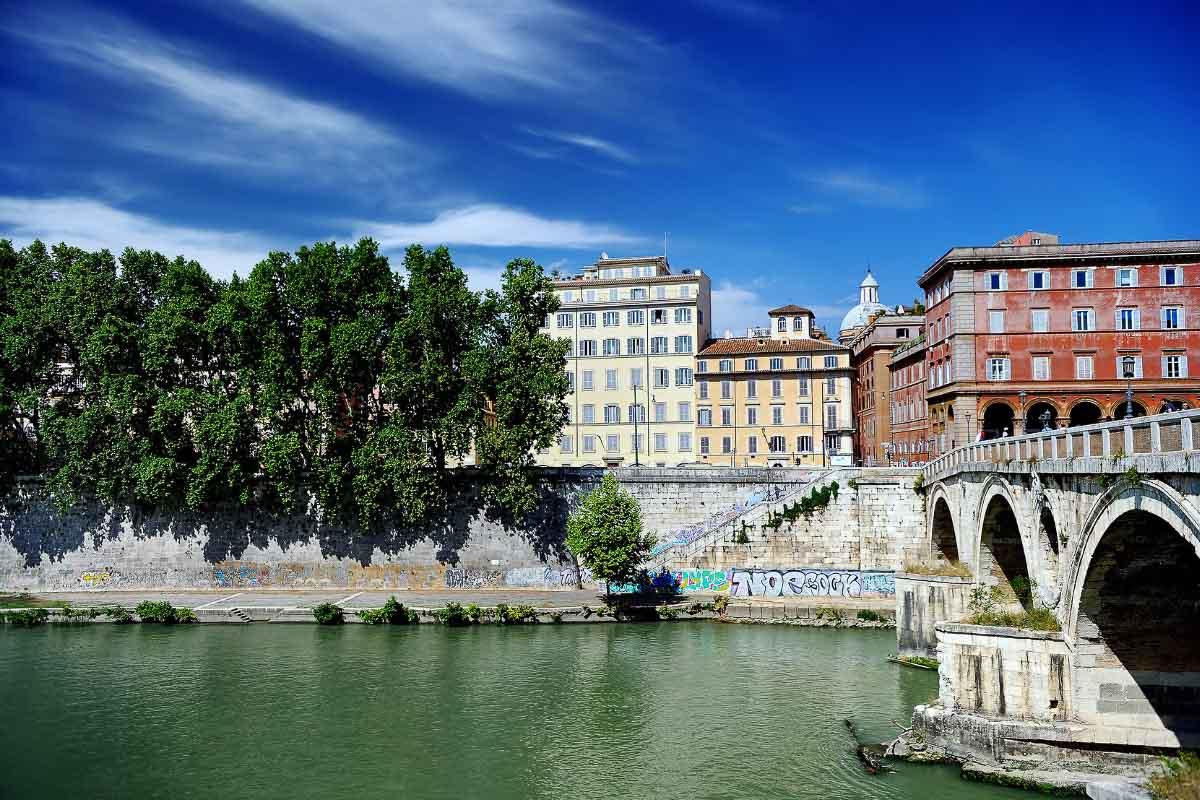 Garibaldi bridge rome