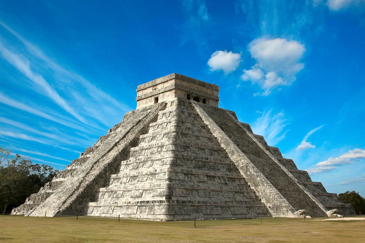 chichin itza yucatan peninsula mexico