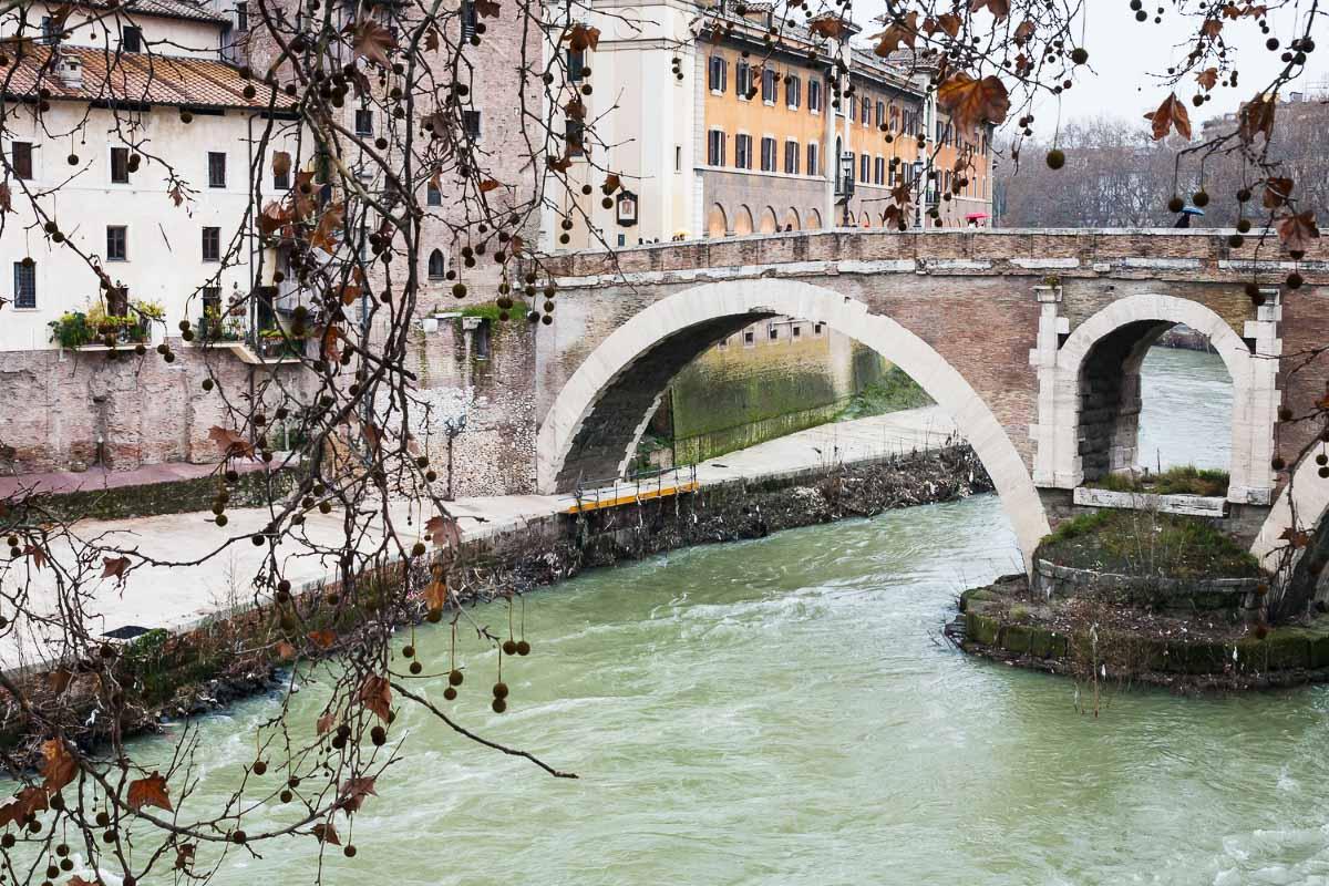 ponte fabricio rome