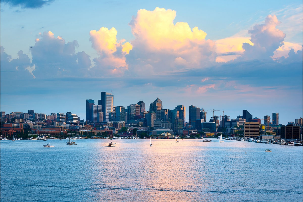 lake union and downtown seattle skyline