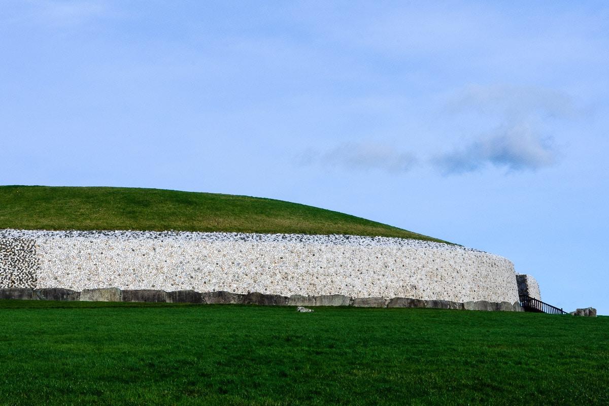 newgrange tomb ireland