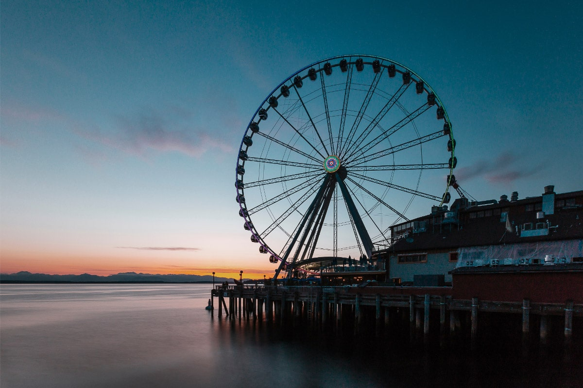 seattle great wheel at sunset