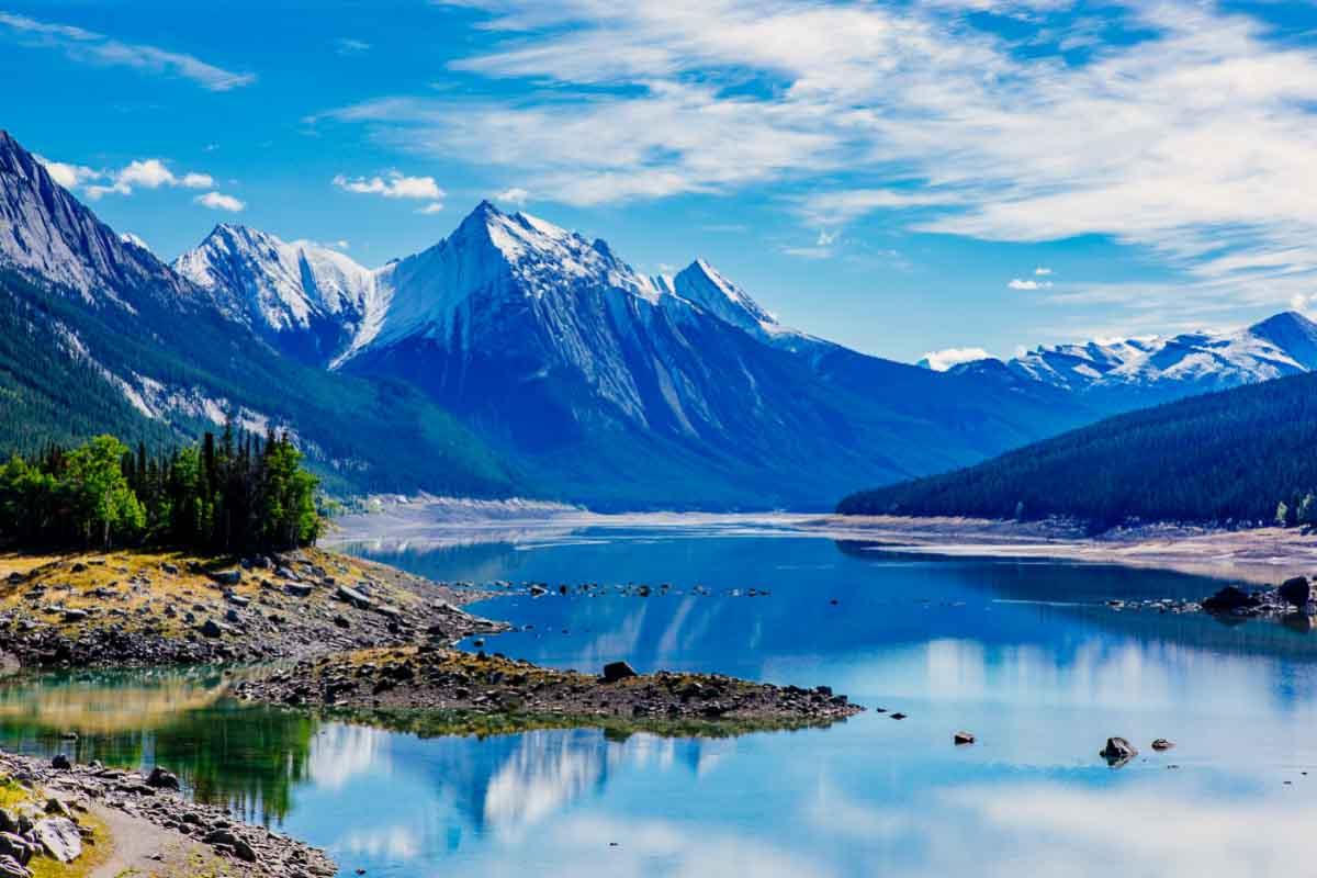 Medicine lake alberta