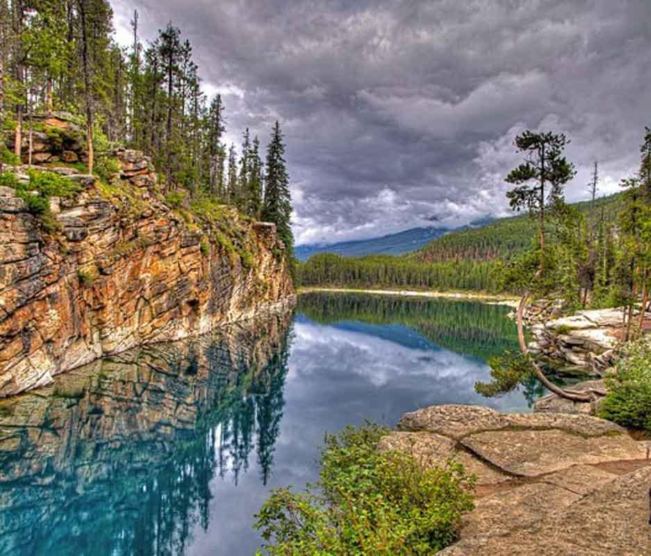 horseshoe-lake canada
