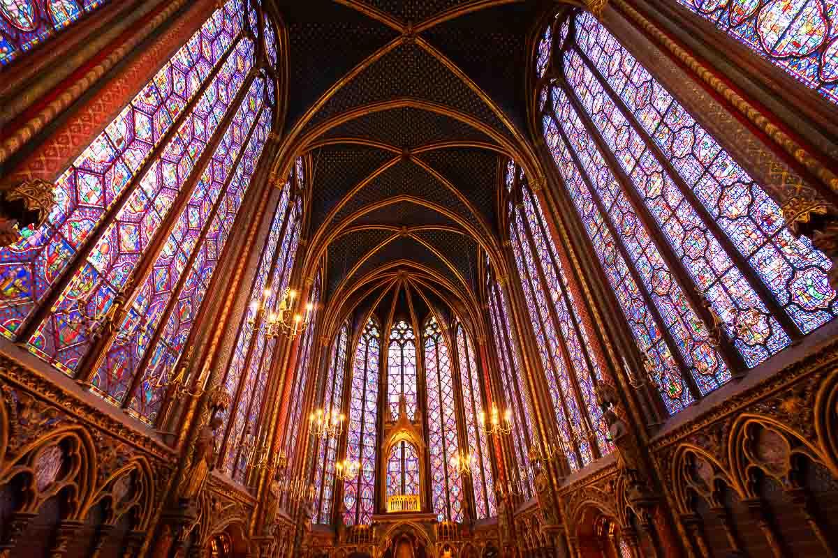 saint chapelle interior paris monuments