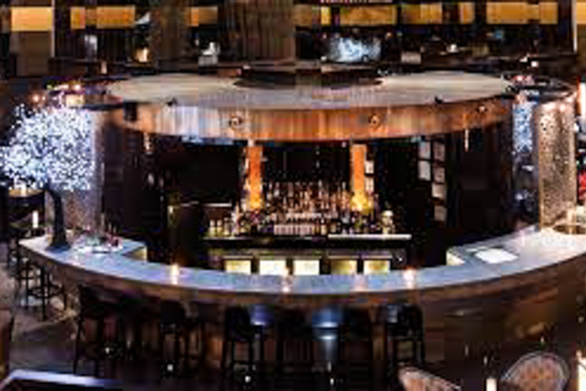 atrium bar on 35 sofitel