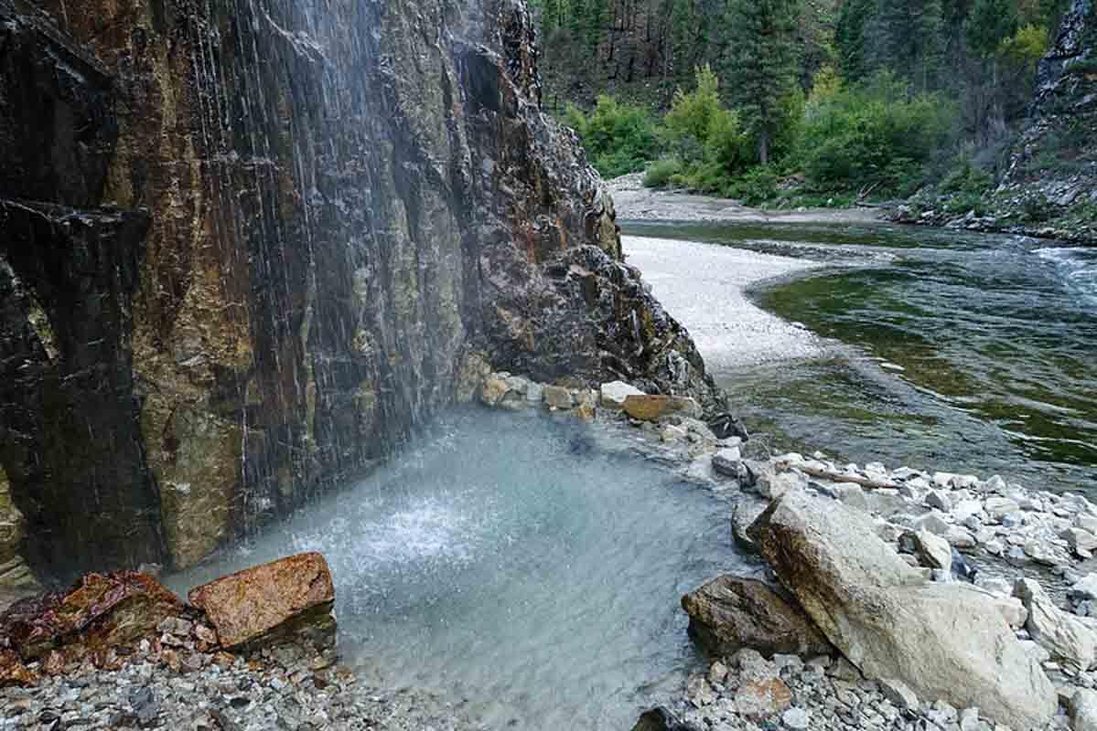 pineflats hot springs in oregon
