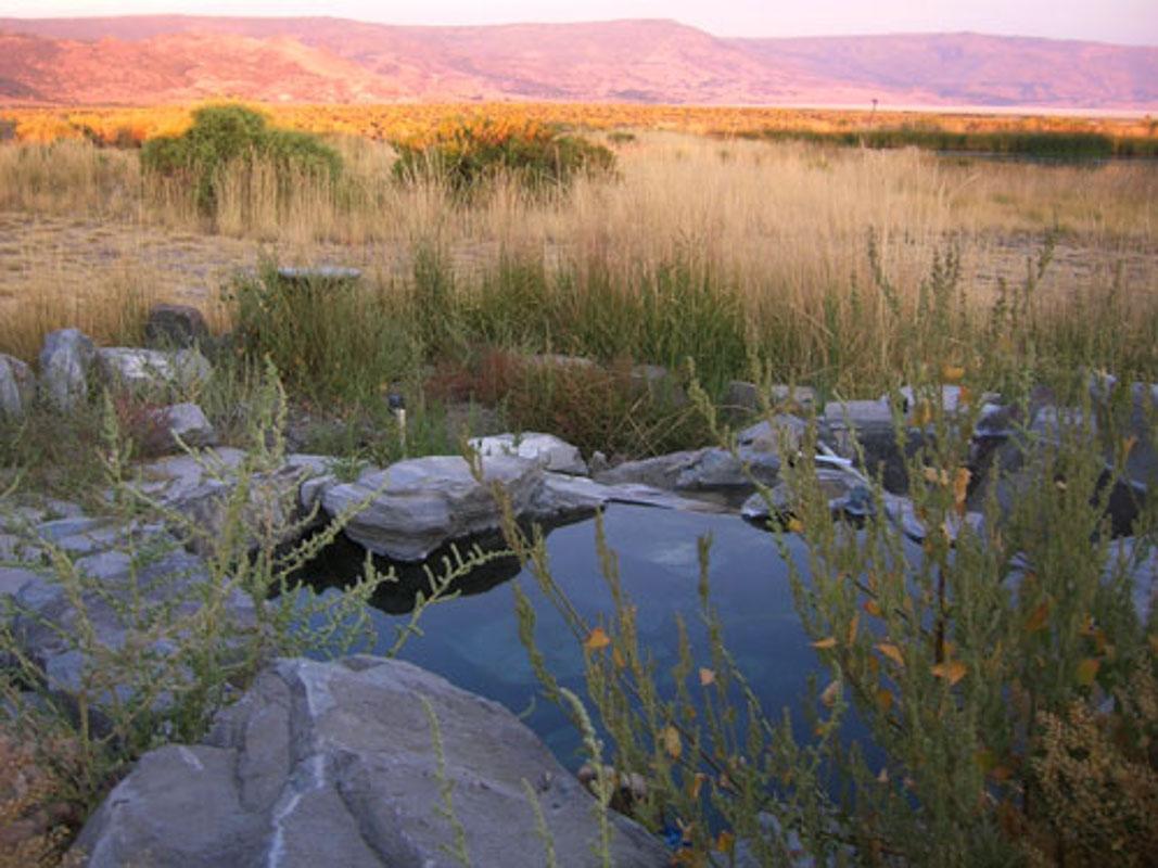 summer-lake-hot-springs-ranchhouse