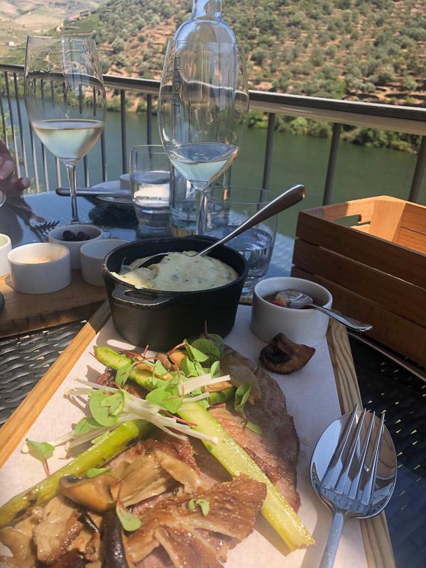 douro valley quinta de la rosa lunch on terrace